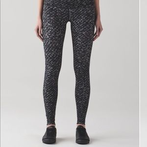 Lululemon high rise Wunder Under Nulux